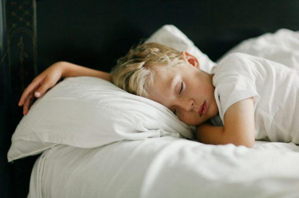 Как наладить крепкий сон у ребенка с аутизмом