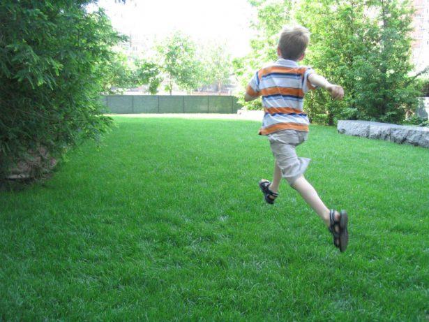 Как обезопасить жизнь ребенка с аутизмом